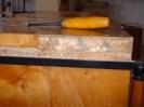 Kommode neue Deckplatte :: Freilegen der Deckplattenverbindung und Kratzspuren an der Seite